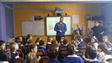 Campioni in cattedra: il campione Olimpico di boxe Cammarelle nella scuola primaria Don Milani di Palazzo di Assisi