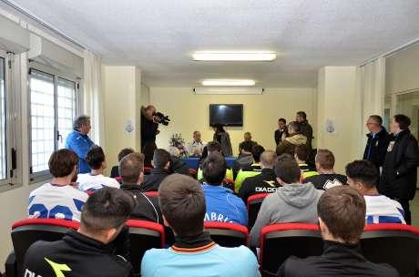 Conferenza stampa esibizione danza e partita calcio carcere Capanne 11 dic 2015